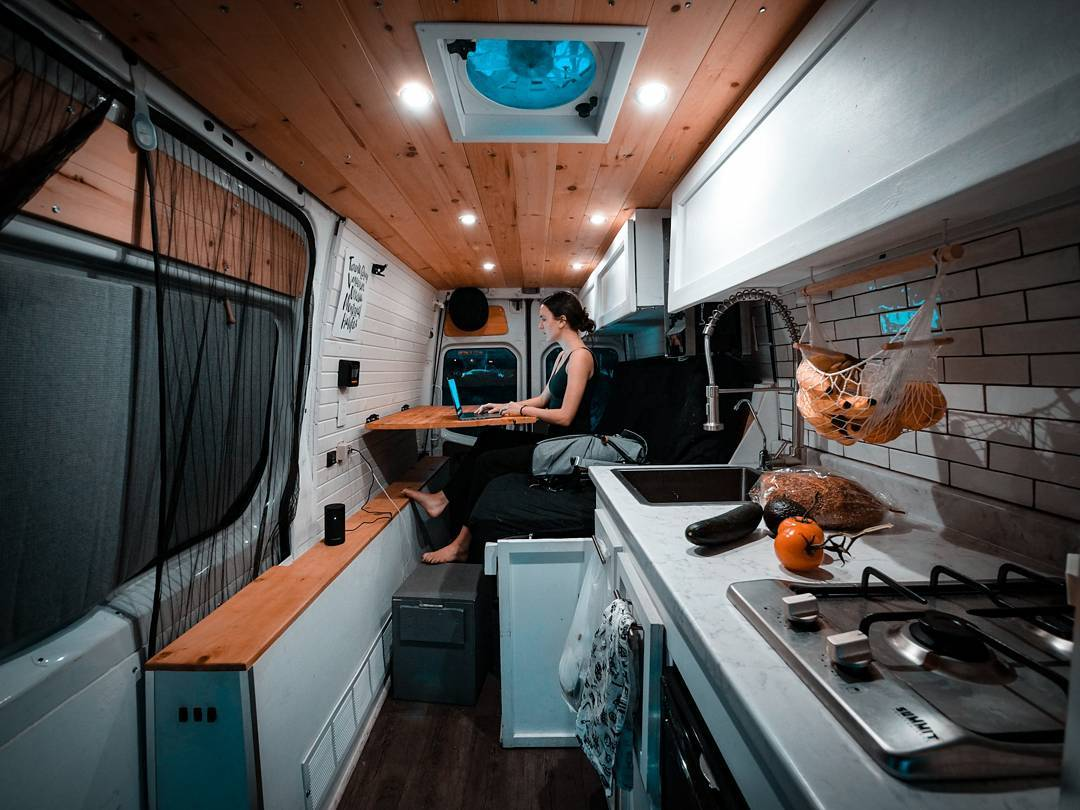 1606270058 996 Ideas de conversion de camioneta Sprinter de bricolaje