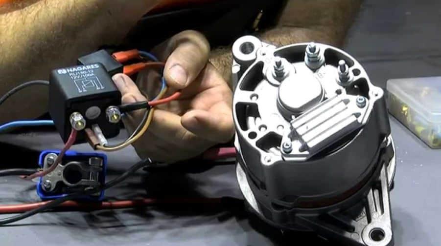 Cómo instalar un separador de batería en tu furgoneta o rv