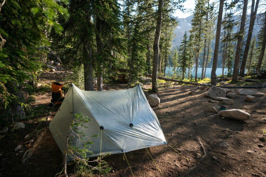 Cómo elegir una zona de campamento adecuado