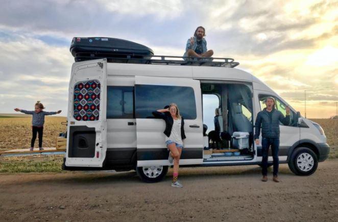 Ford Transit Camper para una familia