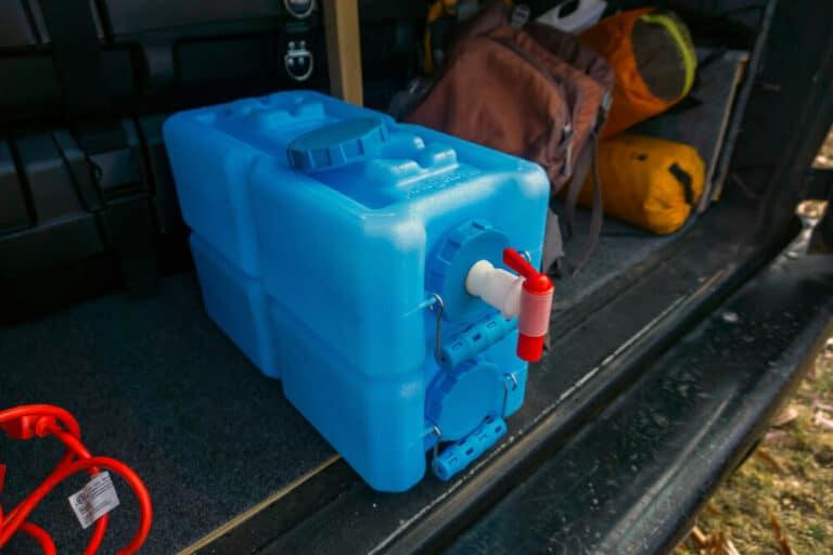 Instalación de un Sistema de Agua en una Furgoneta (Diagramas del Fregadero y Fontanería)