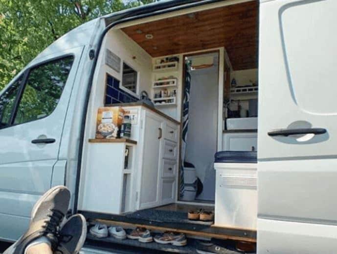 furgoneta de cocina dividida exterior