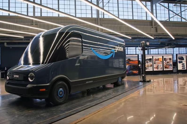 furgoneta de reparto electrica Rivian Prime de Amazon