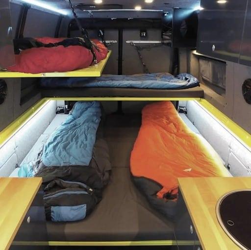 mejores disenos de furgonetas camper para familias 13