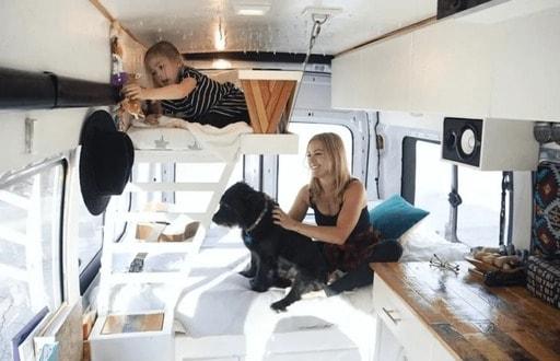 mejores disenos de furgonetas camper para familias 3
