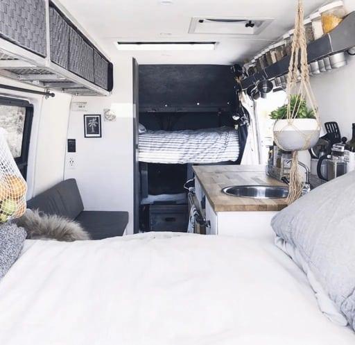 mejores disenos de furgonetas camper para familias 4