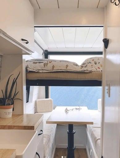 mejores disenos de furgonetas camper para familias 5