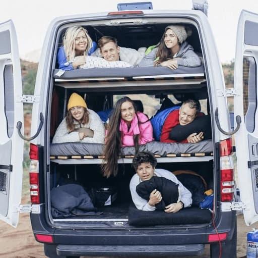 mejores disenos de furgonetas camper para familias 6