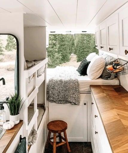 mejores disenos de furgonetas camper para familias 7