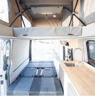 mejores disenos de furgonetas camper para familias 8